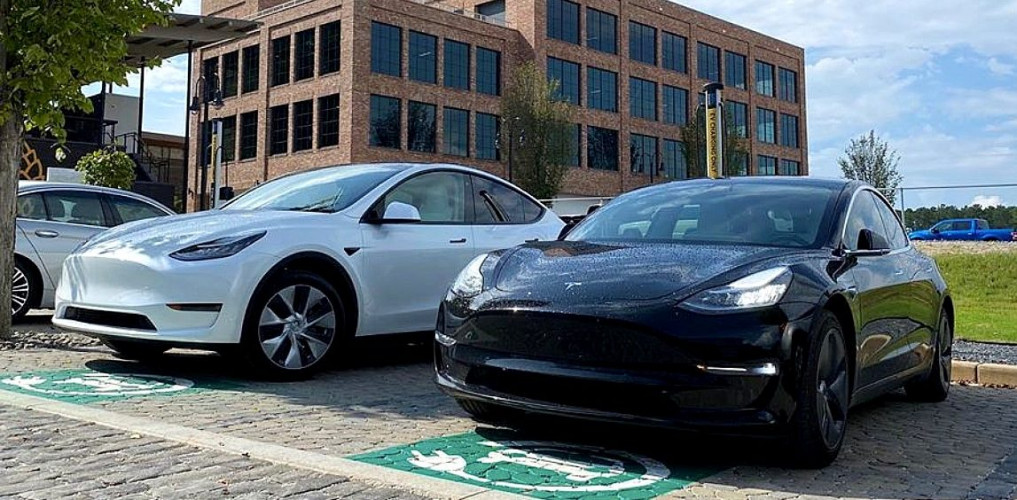 Tesla finally offers lease-to-buy options for Model 3 and Y, but it's not available everywhere